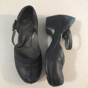 Dansko | Black Leather Low Heel Mary Janes 41